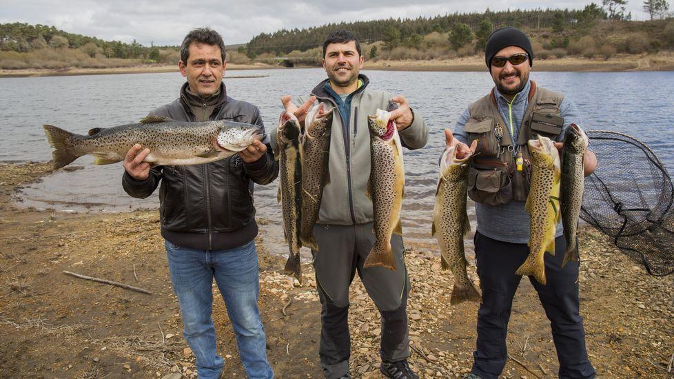 El primer domingo de pesca, en imágenes: ¡así fue el día en la Costa da Morte!