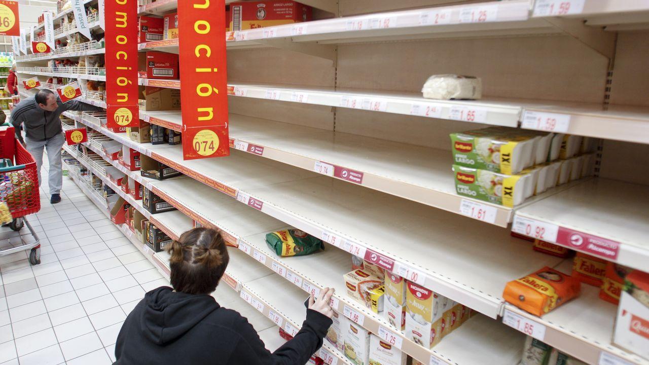 Las compras compulsivas se han notado, sobre todo, en productos básicos, como arroz o pasta.
