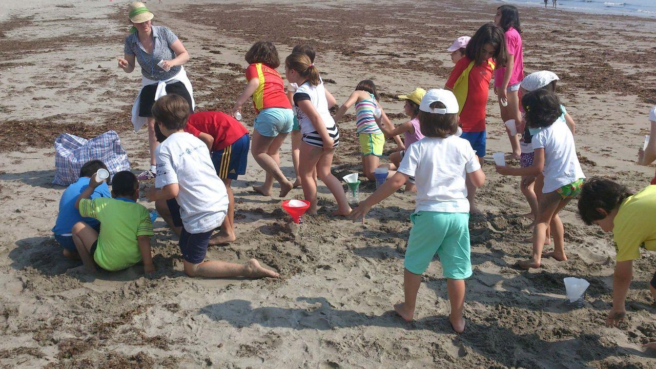 Niños en una de las actividades de la ocioteca del Concello de Burela, en una imagen de archivo