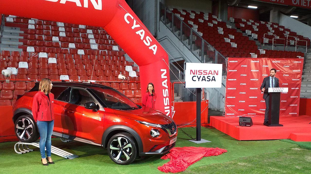 Cyasa presentó el nuevo Nissan Juke en el campo de El Molinón en Gijón