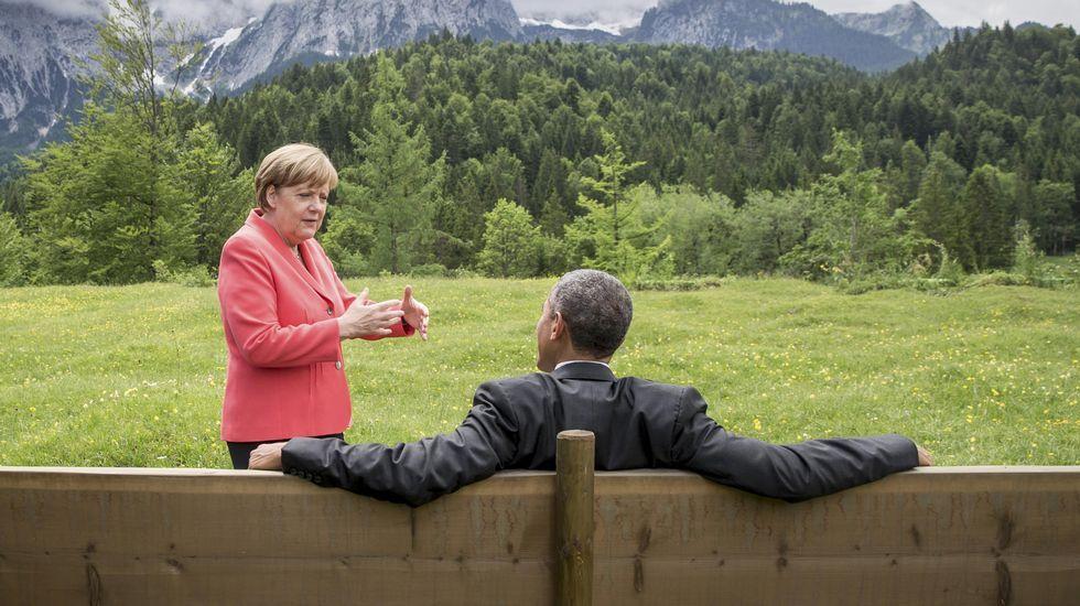 Cumbre del G-7 en el Castillo de Elmau.Merkel y Tsipras, hoy en Bruselas