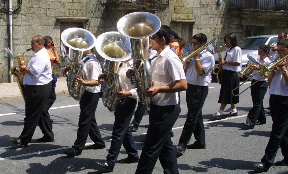 La banda de música local y la de Moraña se encargarán de los pasacalles previos a la procesión.
