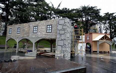 El «Gong» derrumba parte del andamio del edificio más alto de Galicia