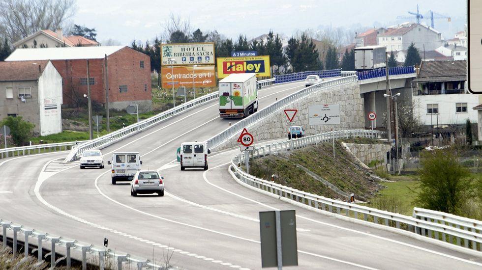 El acceso ferroviario al puerto exterior de A Coruña es uno de los proyectos de obra pública que señalan como pendientes