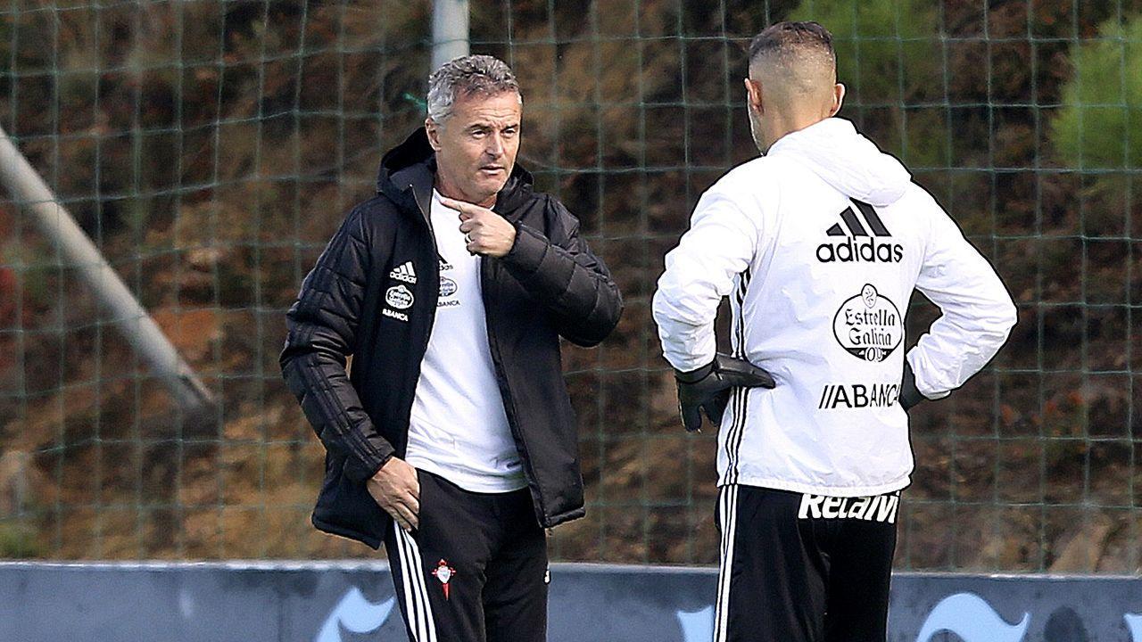 pepa.Los jugadores del Oviedo tras el encuentro ante el Extremadura