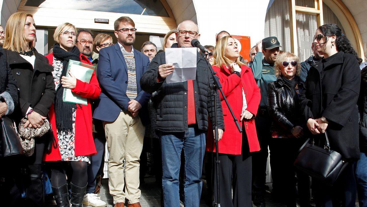 Conentración en Callosa d'?En Sarrià, Alicante, para expresar la respulsa a la supuesta agresión sexual de cuatro individuos a una joven de 19 años