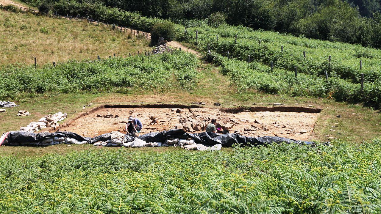 Ola de calor en Asturias.El yacimiento de L'Españal, en San Martín del Rey Aurelio