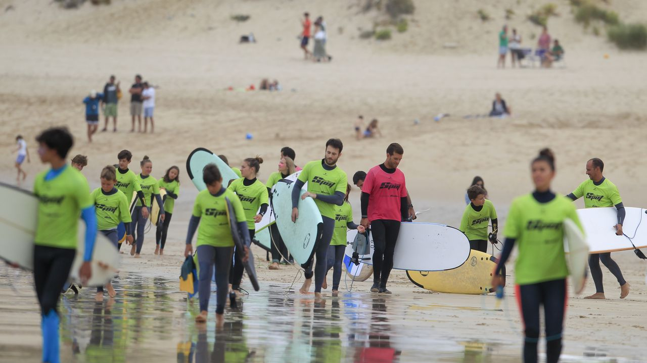 Escuelas de surf en Ferrol.Merkel y Orbán conmemoran en Sopron la primera gran fuga pacífica de ciudadanos de la Alemania comunista en 1989
