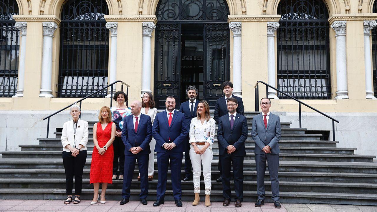 El nuevo equipo de gobierno en la toma de posesión de los consejeros