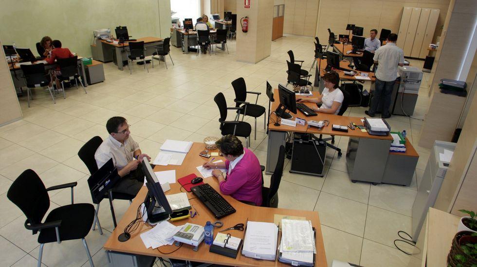 Comienza la campaña de la Renta 2014.Tesorería de la Seguridad Social en Santiago.