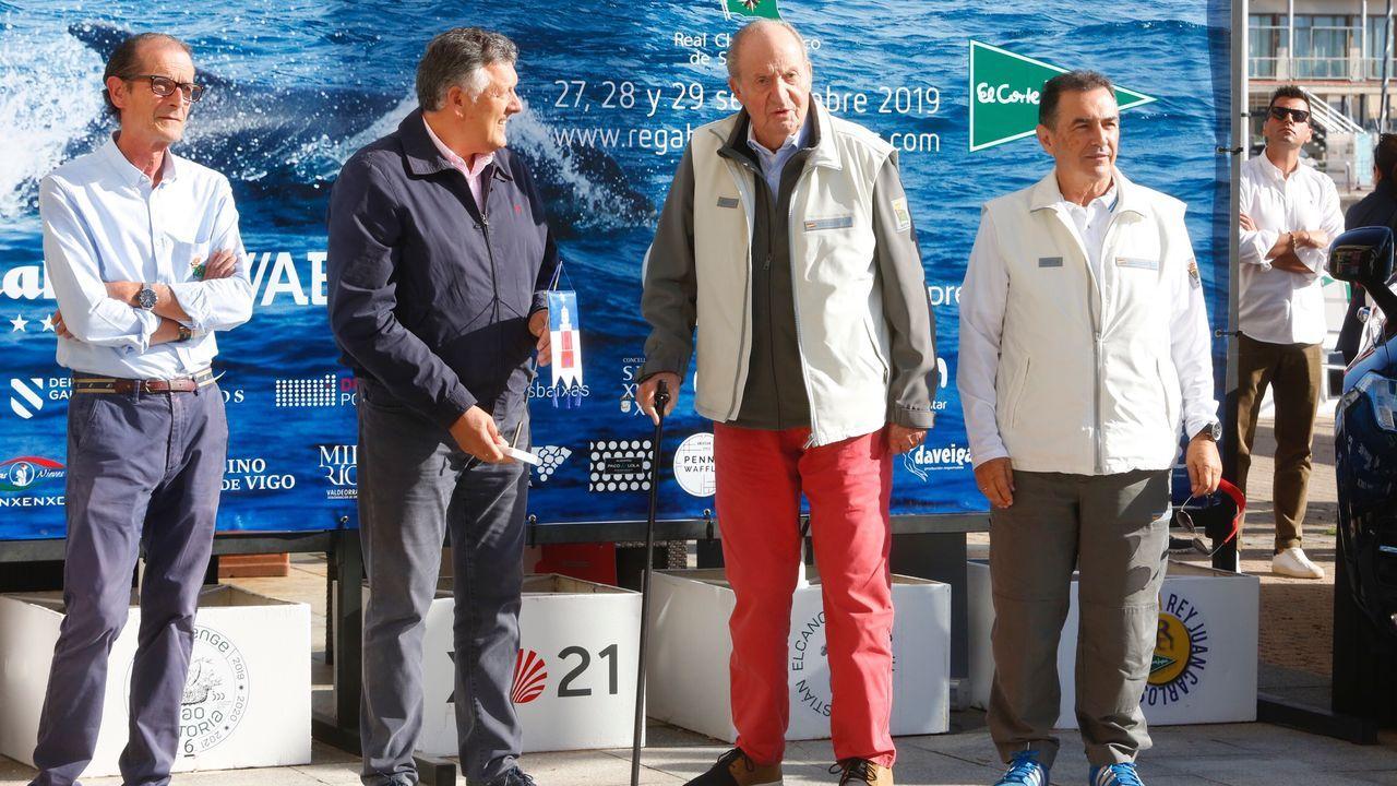 Llegada del rey emérito a Sanxenxo para presentar la Quinta regata Juan Carlos I