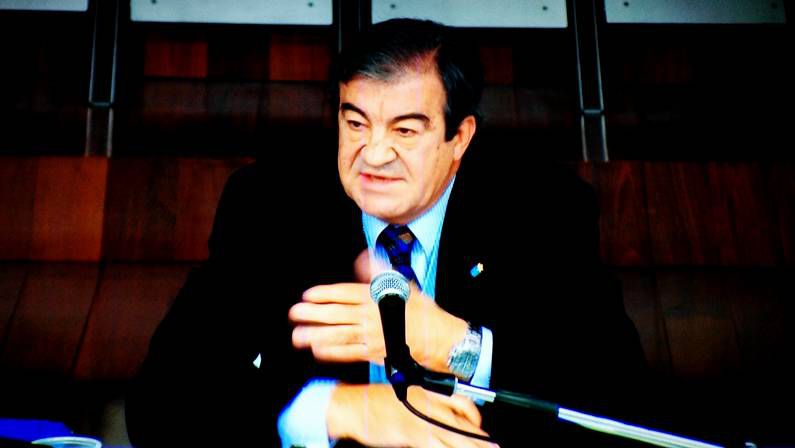 Entrevista de González Pons.Álvarez Cascos declarando en el juicio del Prestige