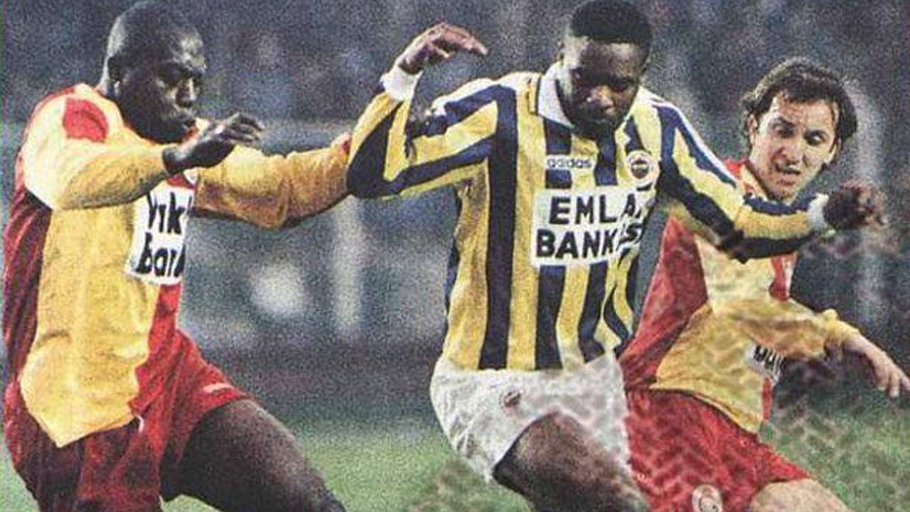 Atkinson (en el centro de la imagen), durante su etapa como jugador del Fenerbahçe