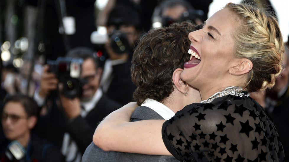La actriz británica Sienna Miller y el director canadiense Xavier Dolan, miembros del jurado