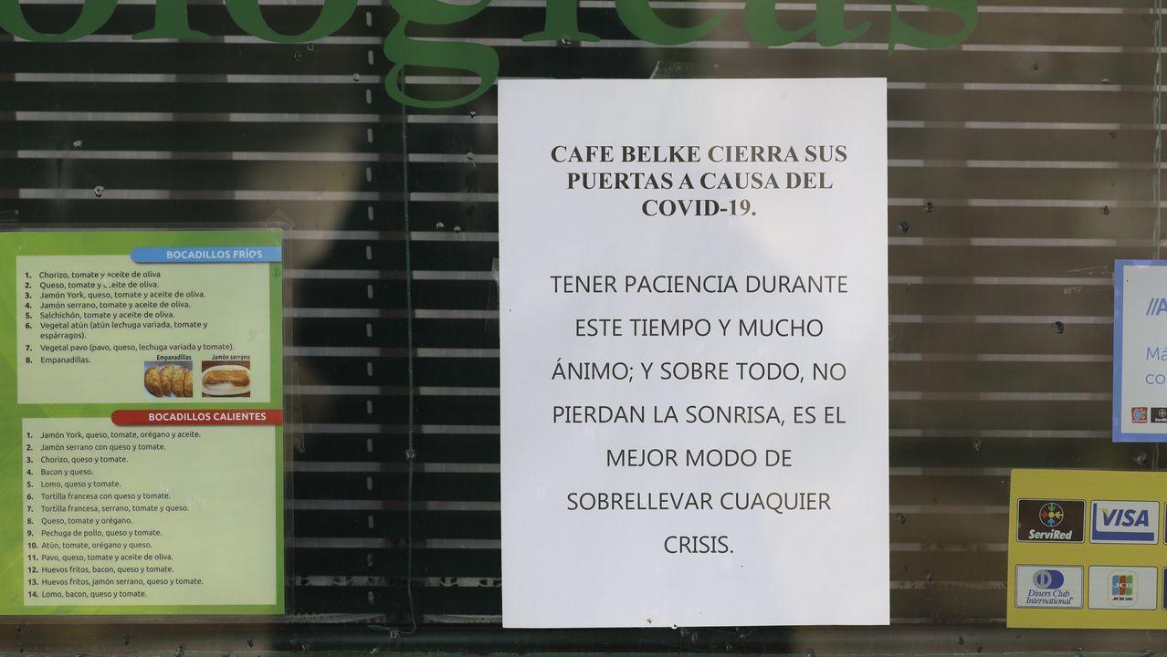 combo galegos 1.Eva Queiruga alquiló hace un año un bajo para abrir una tienda de ropa y complementos en Ribeira