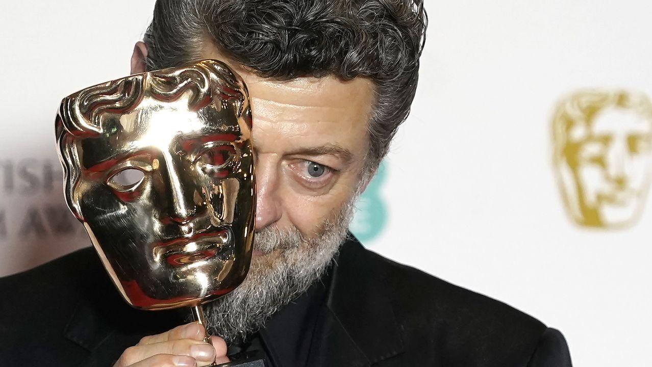 El actor Andy Serkis, con su premio Bafta recibido por su contribución al cine británico