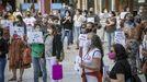Imagen de archivo de una manifestación a principios del curso pasado en la que familias y profesores pedían más recursos en la escuela