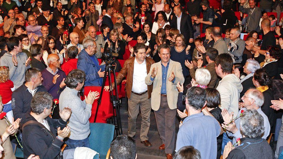 Elecciones municipales: la campaña, en fotos.El portavoz nacional del BNG, Xavier Vence, y los diputados Francisco Jorquera y Carme Adán, antes de presentar ante el Tribunal Constitucional un recurso de amparo.
