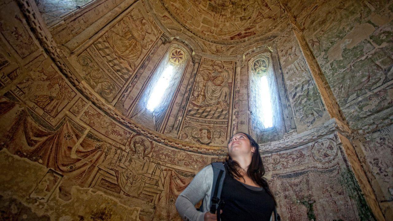 Vigo romano.Foto de Google Arts de las pinturas murales de la iglesia de San Salvador de Vilar de Donas, en Palas de Rei.