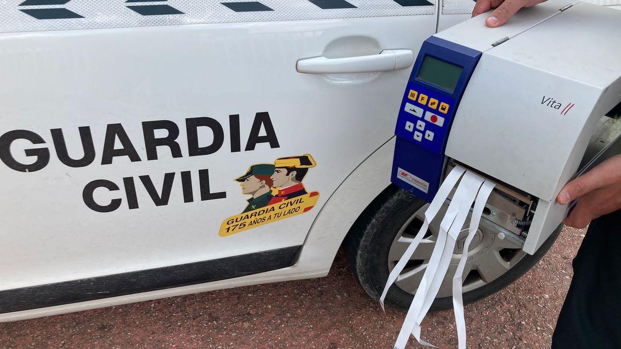 Material recuperado por la Guardia Civil en Mondoñedo