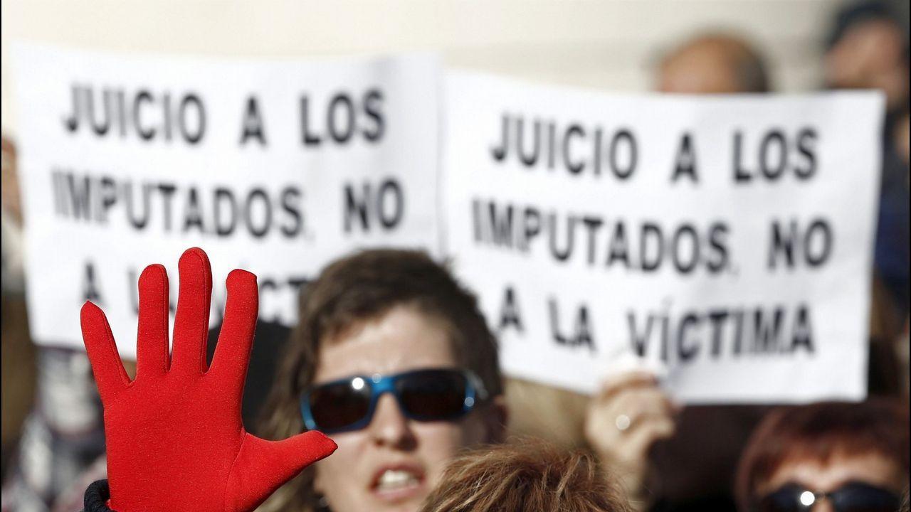 Clamor popular contra la violencia machista.Imagen del encuentro entre la víctima y La Manada emitida ayer por el programa «Expediente Marlasca»
