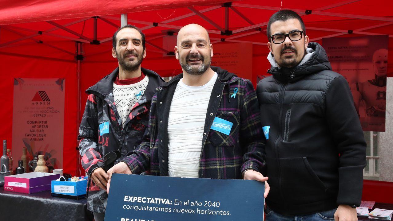 Integrantes de la Coral de Ruada reciben el premio Marcial del Adalid