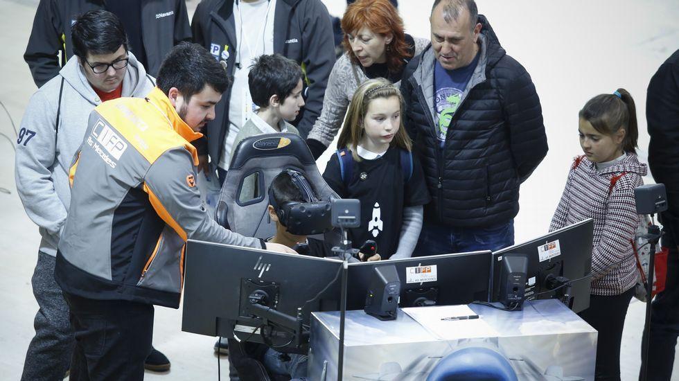 El CIFP As Mercedes (Lugo) causó sensación con sus videojuegos con gafas de realidad virtual