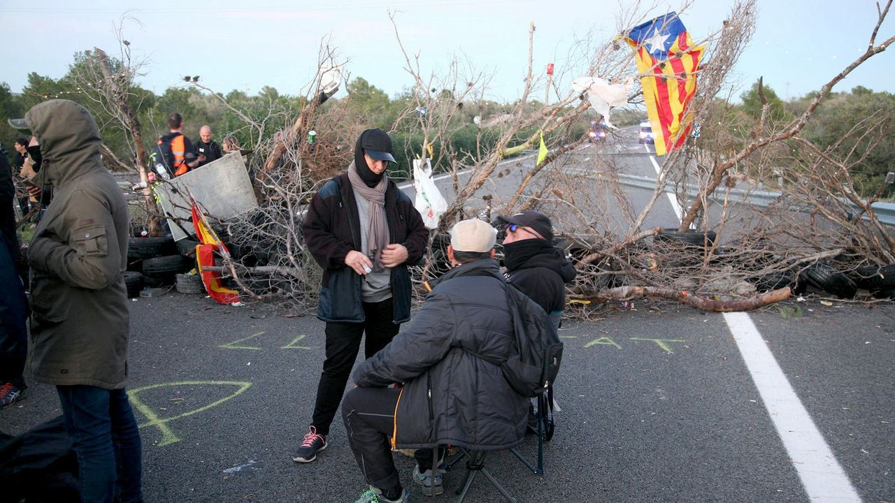 Protesta de los CDR en la AP-7, en Tarragona