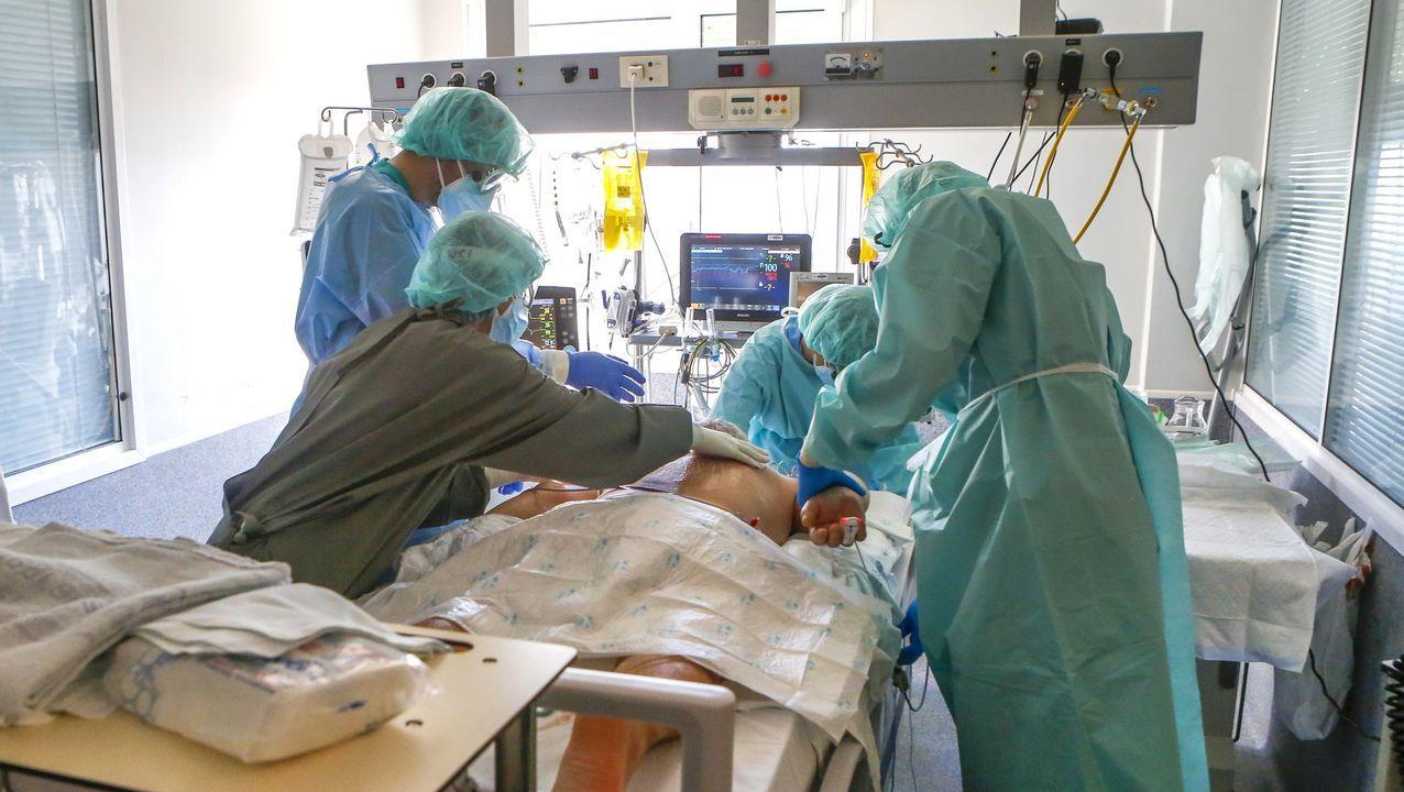 En directo: comparecencia del conselleiro de Sanidade.Uci del Hospital Arquitecto Marcide, de Ferrol