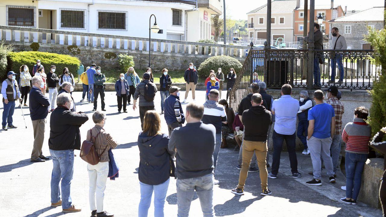 Las 10 mejores fervenzas de Pontevedra y O Salnés.Reunión del alcalde de Cerdedo-Cotobade, Jorge Cubela, con comunidades de montes por la activación de varios parque eólicos