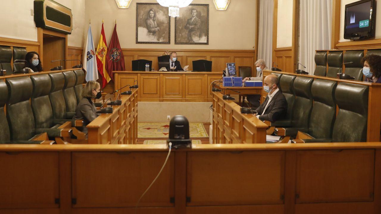 La concejala de Facenda, Marta Abal, y Xosé Sánchez Bugallo, en una foto de archivo