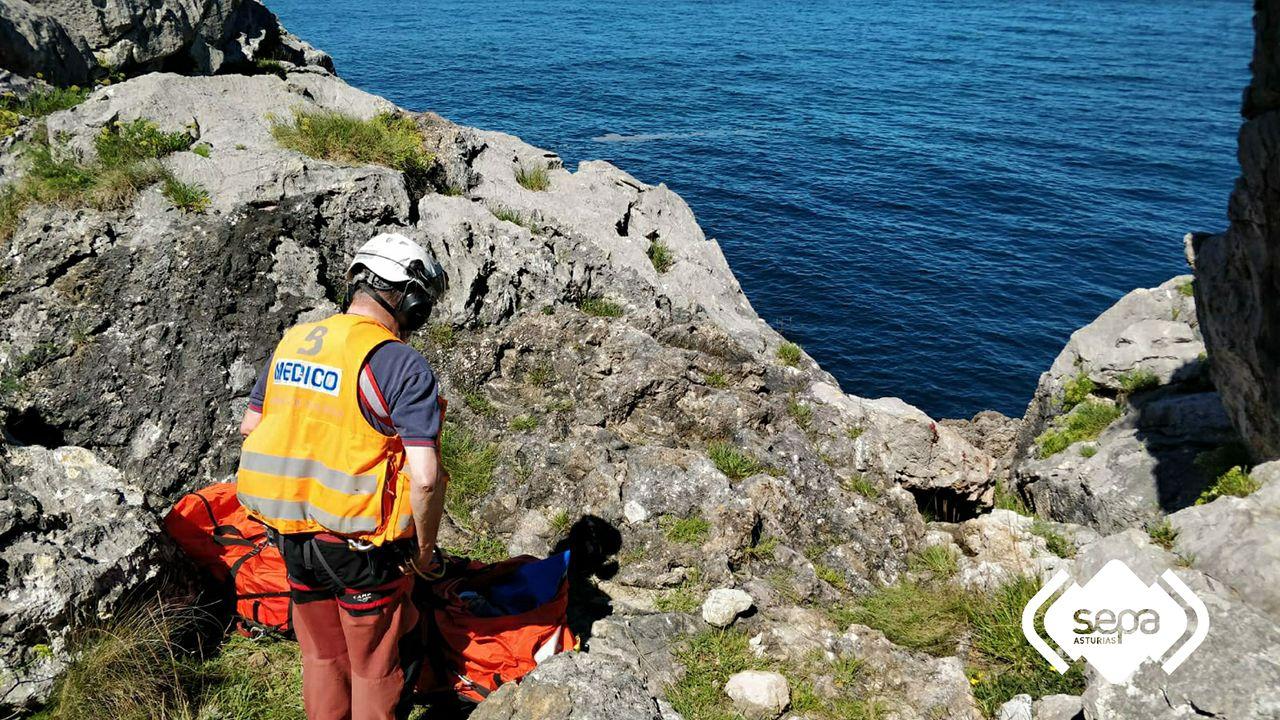 Rescate marítimo en Llanes