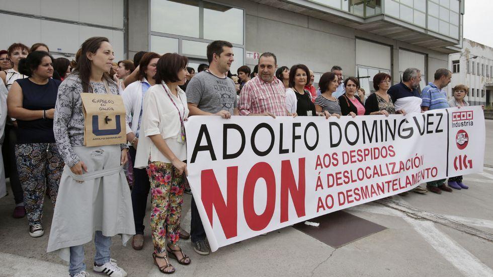 Asamblea de trabajadores de Adolfo Domínguez hoy en San Cibrao