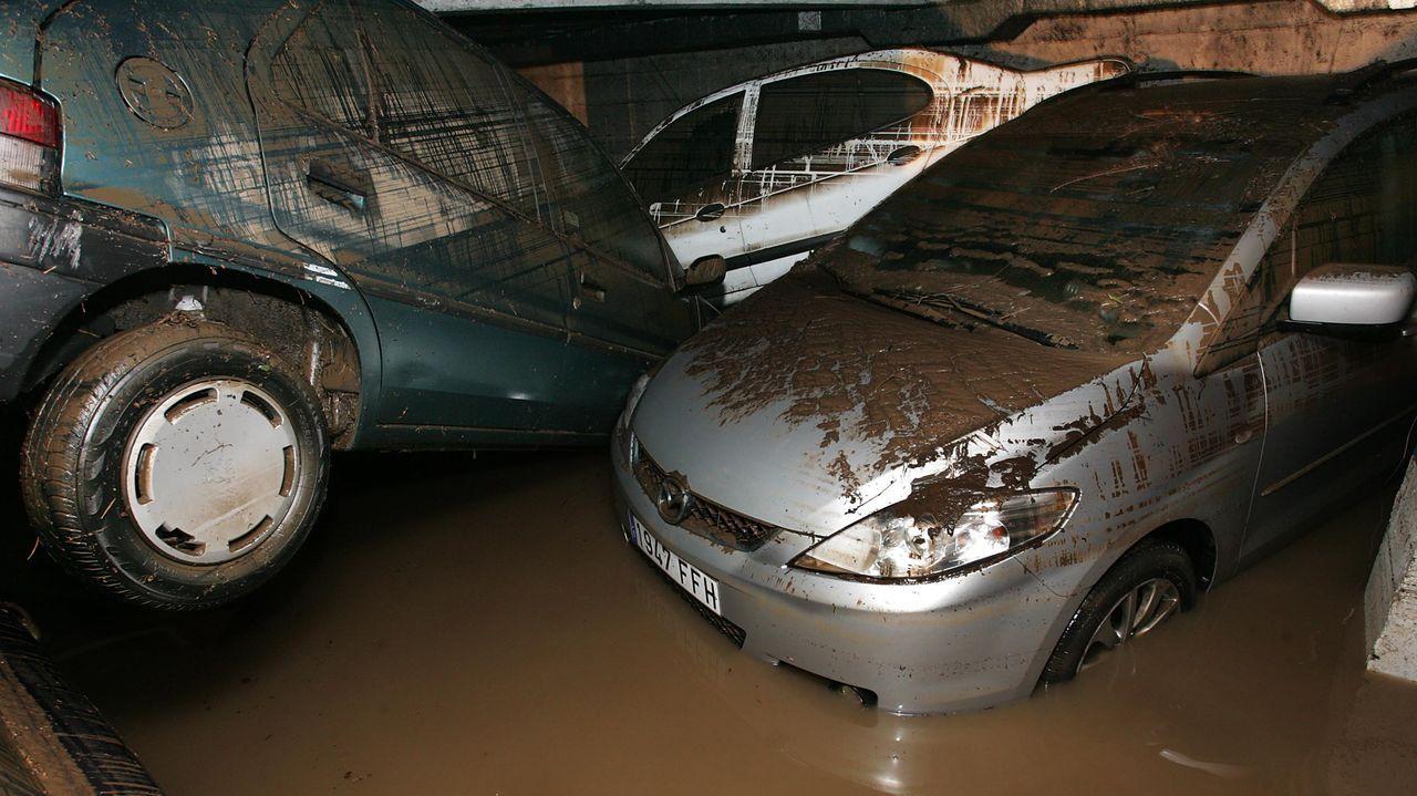 Los estafadores emplearon cinco de los 1.500 automóviles que quedaron arruinados a raíz de las inundaciones que Vilagarcía de Arousa padeció en noviembre del 2006