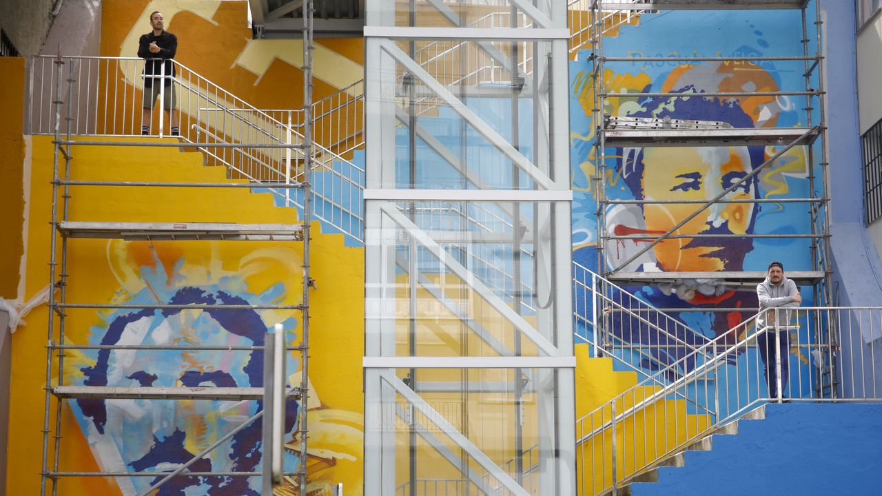 La celebración del Corpus Christi, adaptada al covid-19.Grafiti de Concepto Circo en la pared del ascensor de Fontiñas