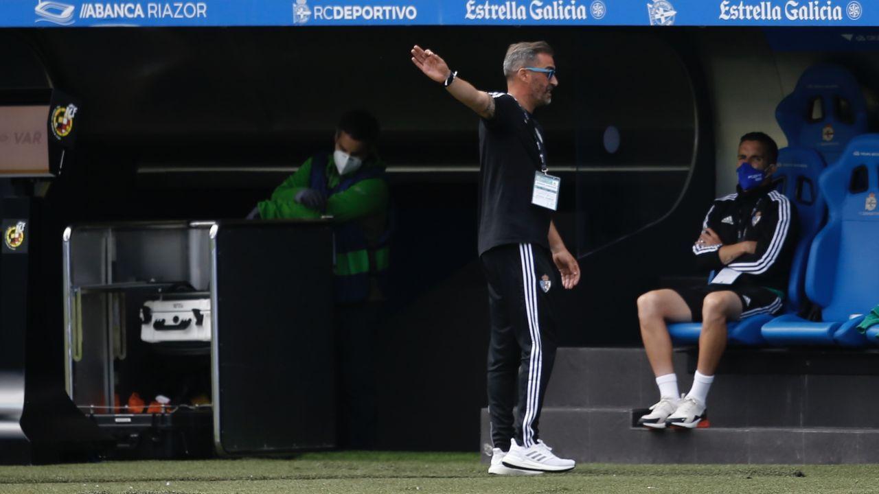 Los futbolistas azules celebran la victoria frente al Albacete