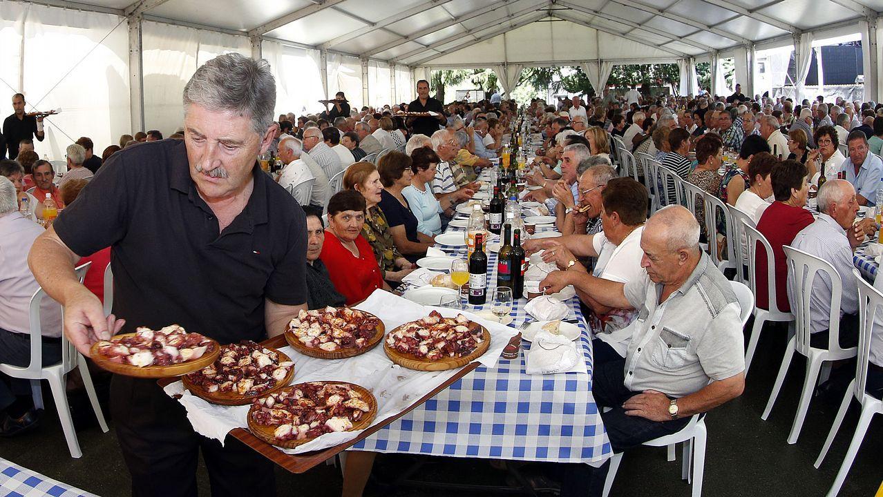 comida de los mayores en outes 2019
