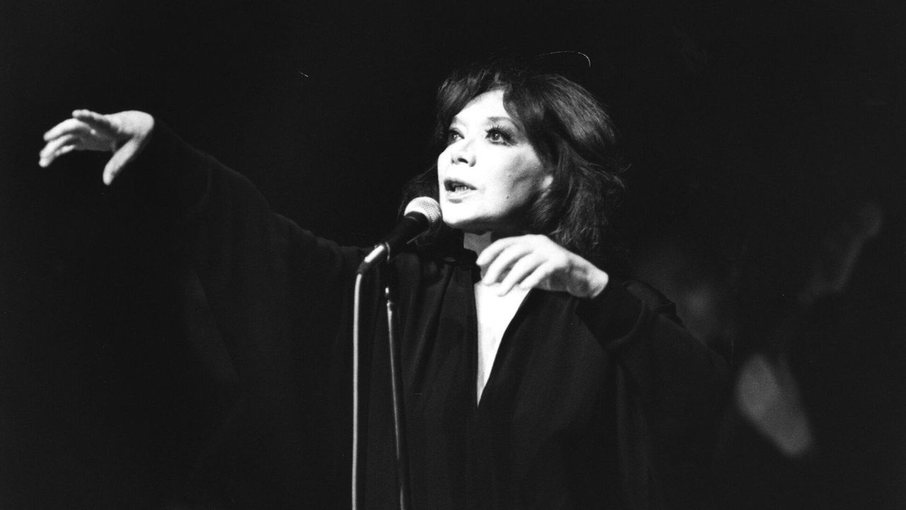 La cantante y actriz Juliette Gréco