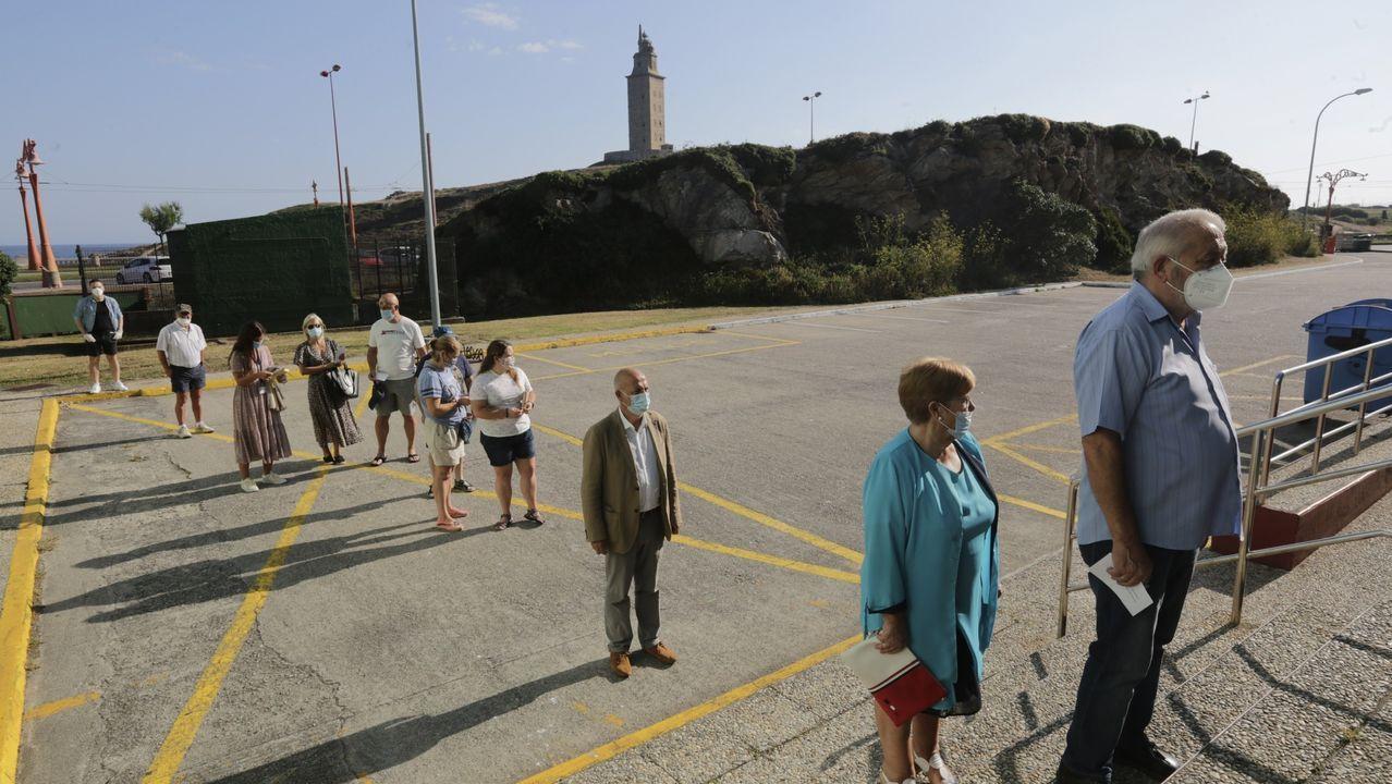 Pancho Casal, esperando para votar en A Coruña