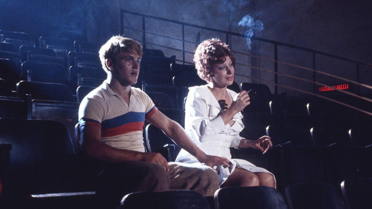 Los actores Magali Noël (Gradisca) y Bruno Zanin (Titta), en «Amarcord» (1973).