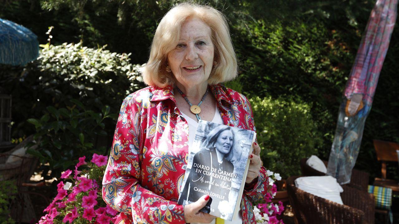 La escritora Carmen Lovelle con su novela «Diario de Carmen en cuarentena: Mi verdad con libertad»