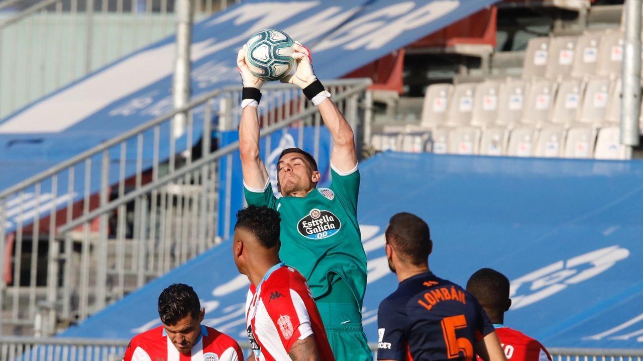 Rueda de prensa Víctor Mollejo.Los jugadores del Lugo celebrando el gol de Cristian Herrera
