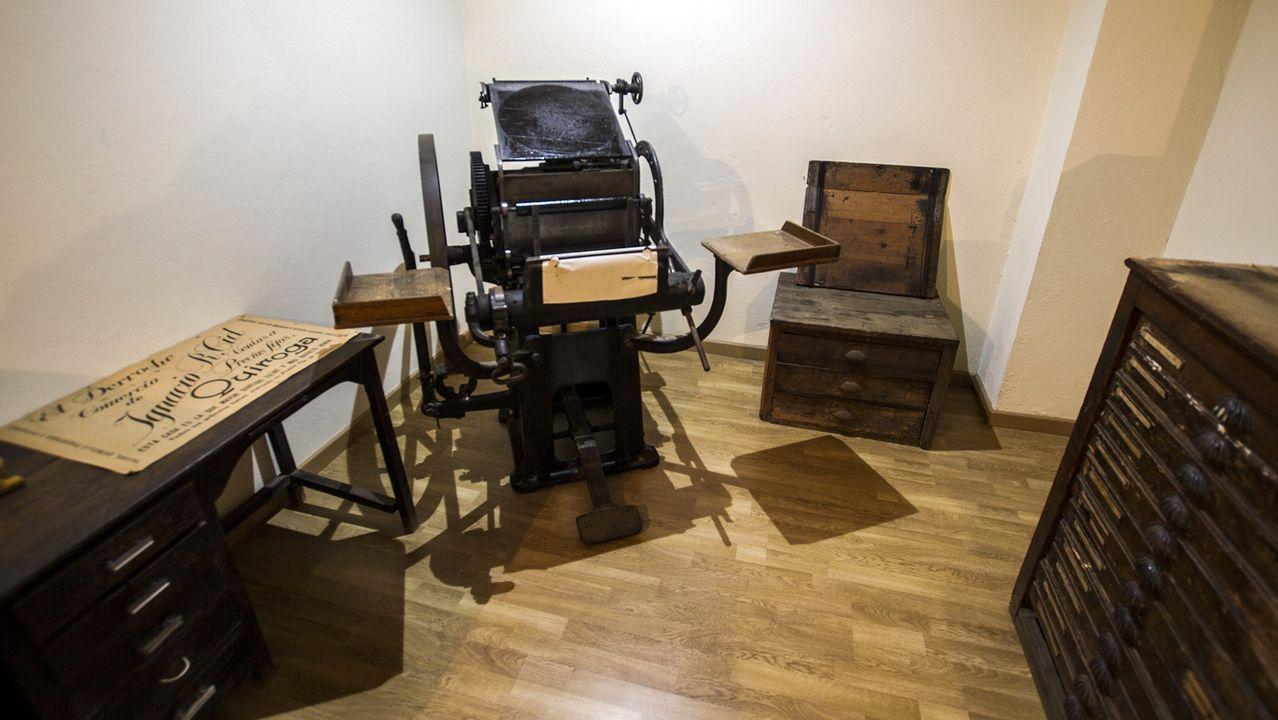 El museo etnográfico quirogués expone dos antiguas imprentas que pertenecieron a los almacenes El Derroche. La de la imagen, de principios del siglo XX, es la más moderna y de mayor tamaño