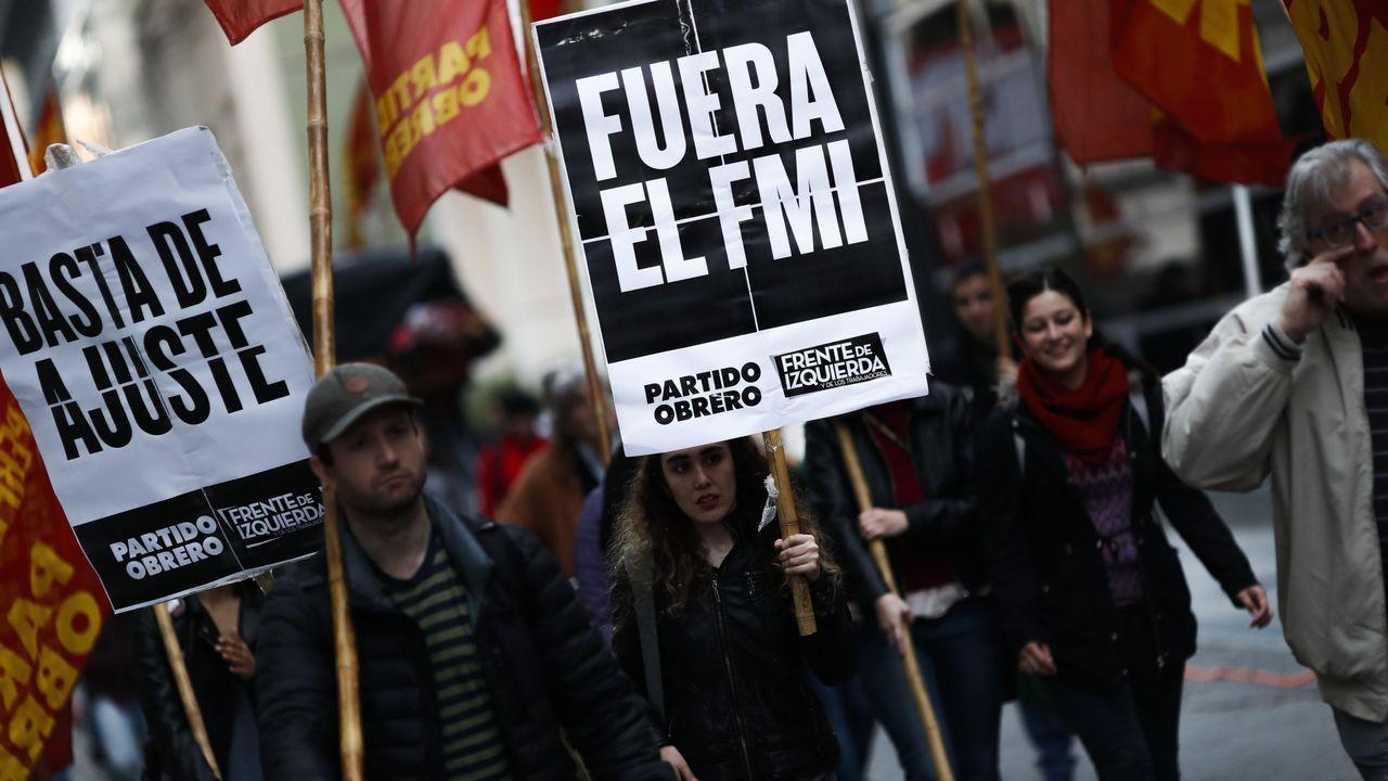 Guaidó: «Espero que la democracia española sea fuerte para hacer frente a la dictadura de Maduro».Las manifestaciones en Ecuador se desencadenaron al poner el Gobierno en marcha las exigencias del FMI