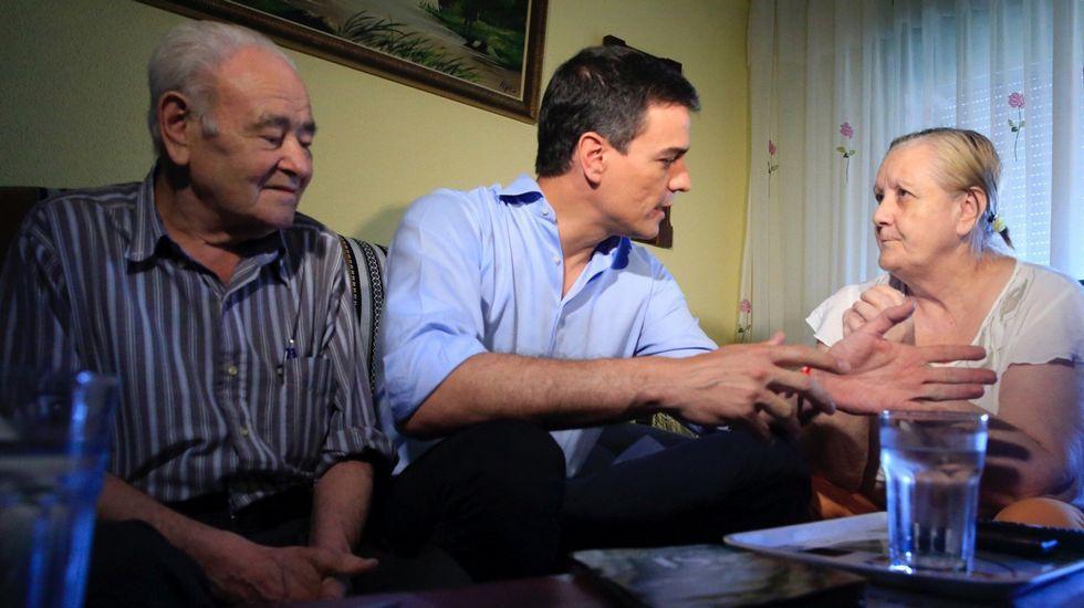 La campaña puerta a puerta de Pedro Sánchez