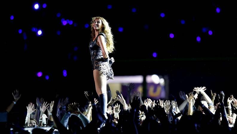 La nueva canción de Shakira.El nuevo disco de Beyoncé tiene 14 temas.