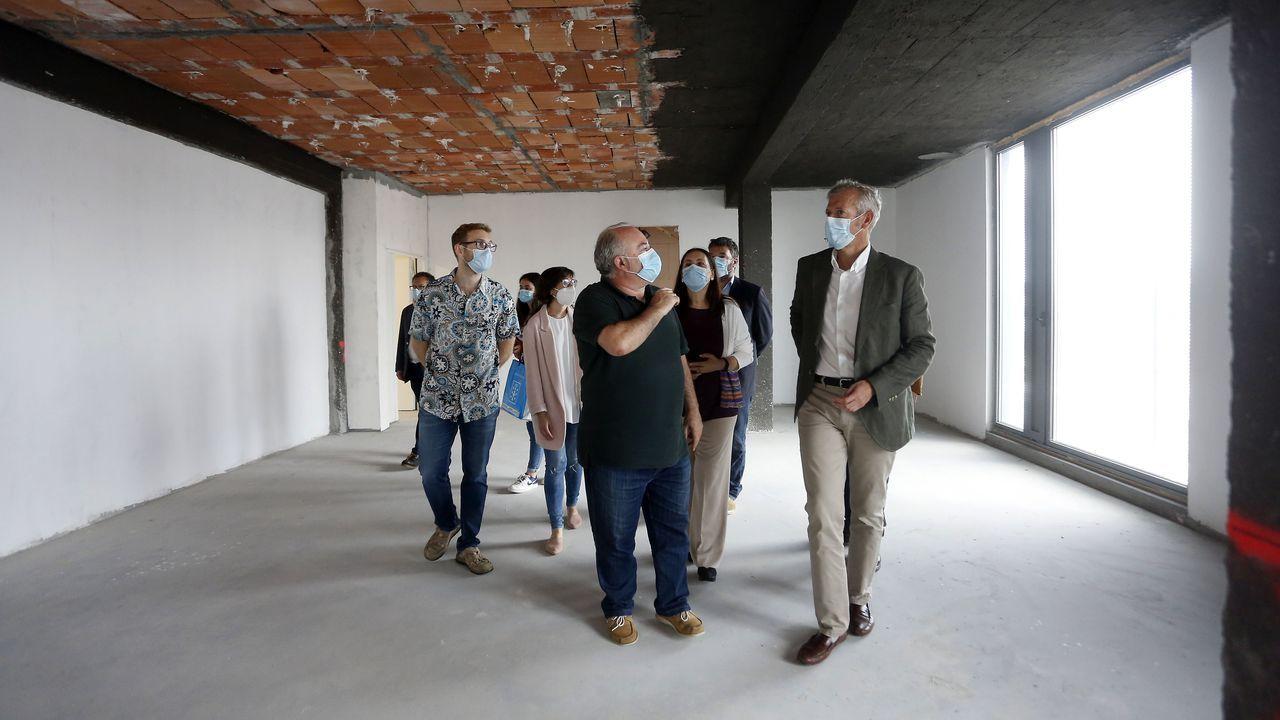 Alfonso Rueda, visitando unas obras esta mañana en Pontevedra