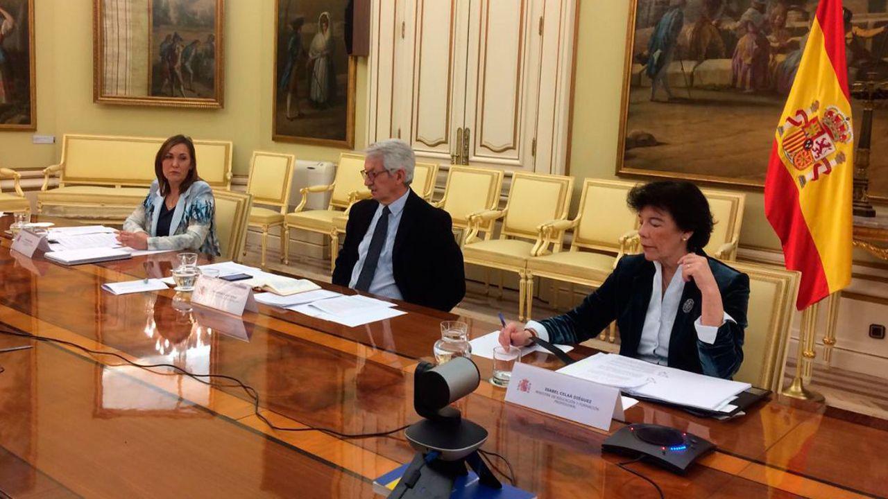 La ministra de Educación y FP, Isabel Celaá, el secretario de Estado de Educación, Alejandro Tiana; y la secretaria general de Formación Profesional, Clara Sanz