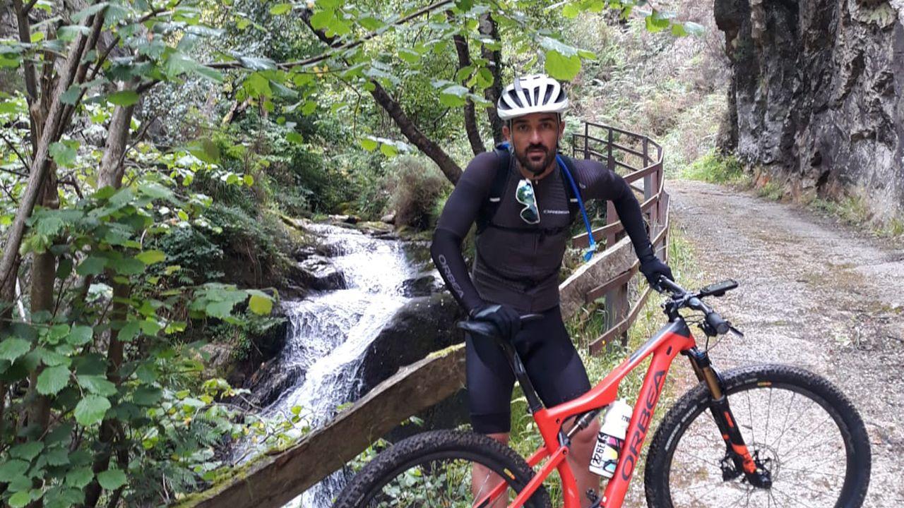 Algunas de las fotografíasde los tres locales con más seguidores en Pontevedra.David Villa, en el Parque Natural de Redes, en una de sus fotografías de Instagram