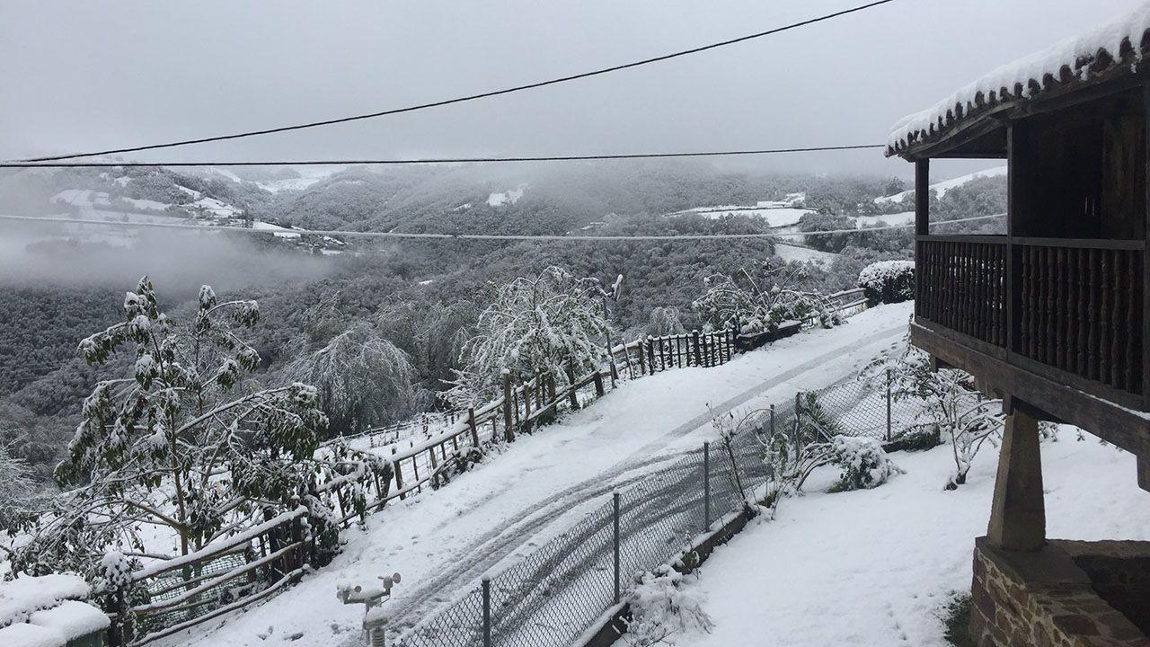Nieve en La Casería, en Mieres
